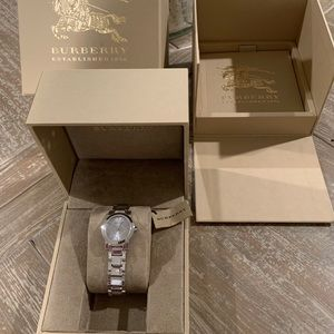 Burberry BU9213 The City Silver Swiss Watch